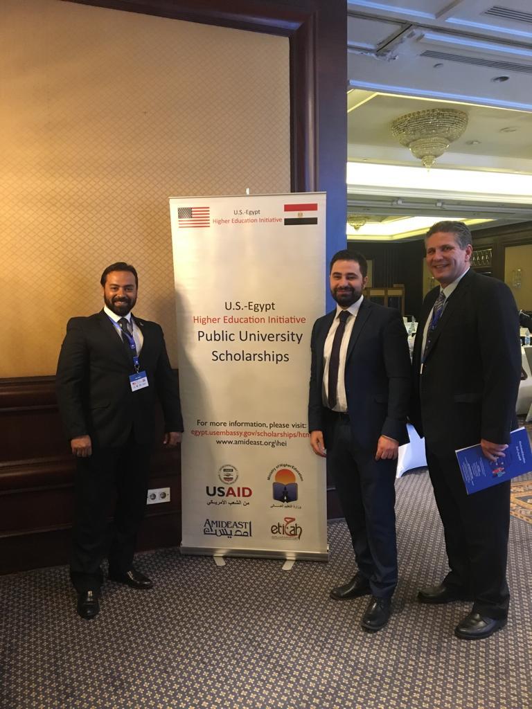 مناقشة على  مائدة مستديرة حول التعليم العالي الشامل في مصر